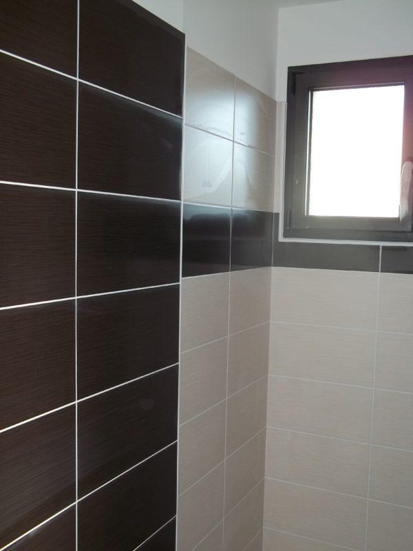 carrelage mural pose vertical ou horizontal pose carrelage salle de bain vertical ou horizontal. Black Bedroom Furniture Sets. Home Design Ideas